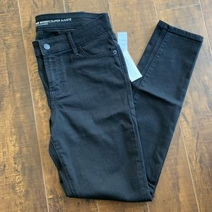 NWT Old Navy Super Skinny mid-rise jeans 4 & 6